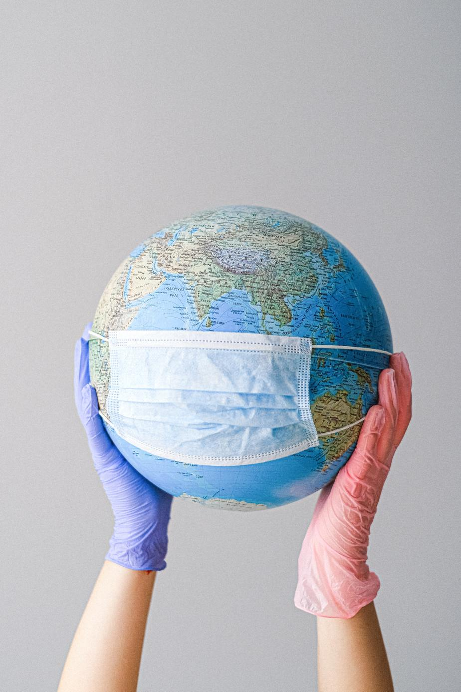 Migração em tempos de pandemia: O vírus que não reconhece fronteiras e as fronteiras que discriminam aspessoas.